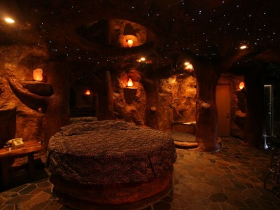 Cave Room Hotel