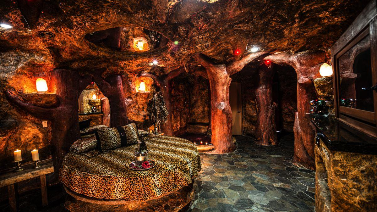 Fantasy Themed Hotel Rooms Miami